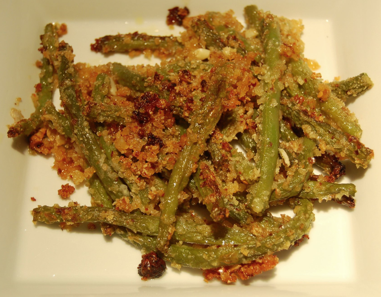 Green Beans with Parmesan Bread Crumbs | CookTeaser