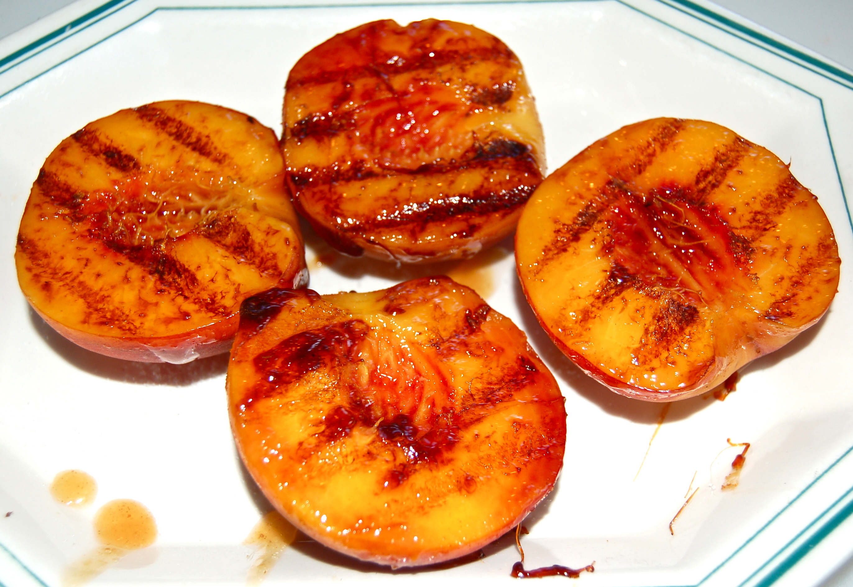 Grilled Peaches | CookTeaser